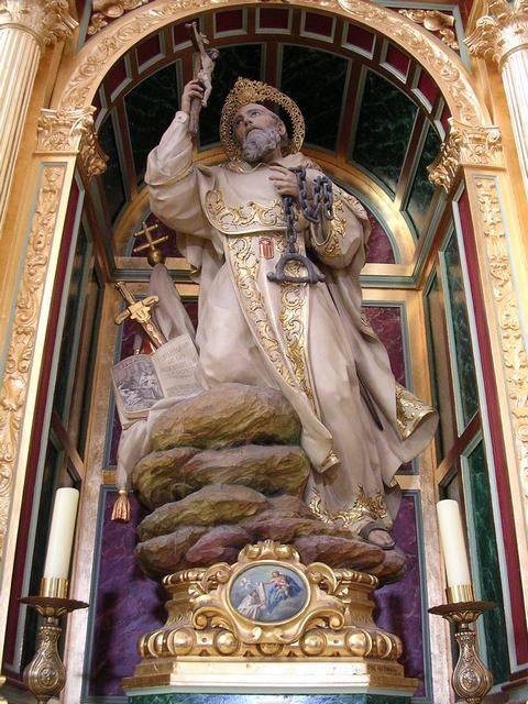 12 - El Segundo Redentor. Ante la  imagen de San Pedro Nolasco de Herencia.