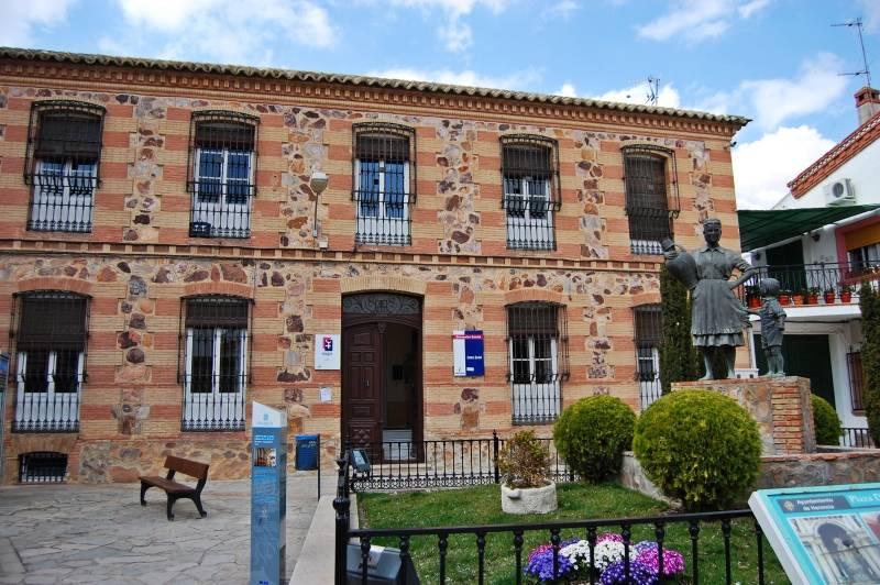 Casa de Herencia - Edificio de Servicios Sociales y Centro de la Mujer