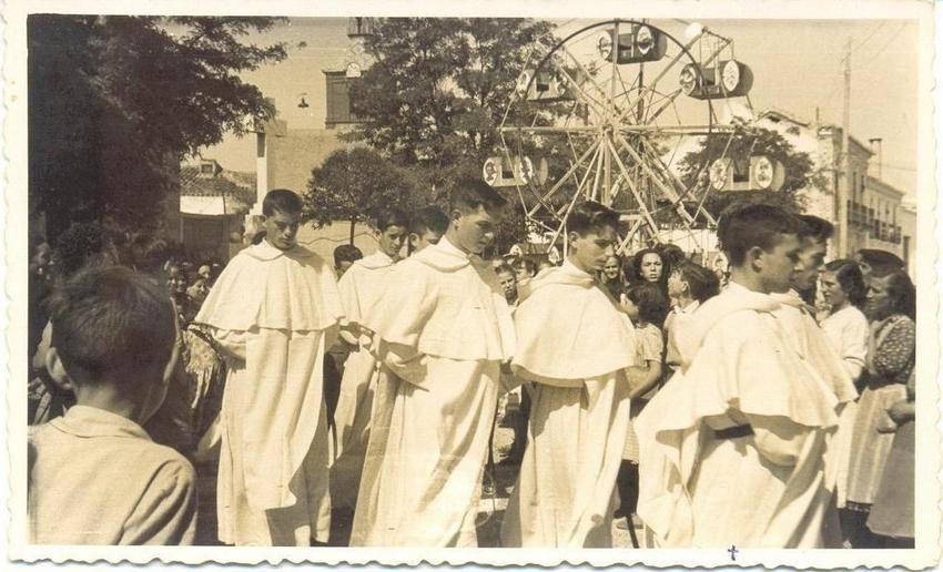 Feria y Fiestas 1956 junto a la iglesia conventual de La Merced