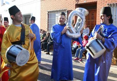 herencia pena local los instrumentos mas originales - Desfile de Carnaval de Herencia, una referencia de Interés Turístico