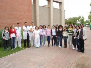 foto de familia visita ies herencia al hospital de alcazar 300x225 - Visita de Alumnos del IES de Herencia al Hospital de Alcázar