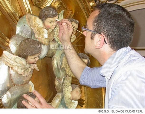 una imagen de la restauracion y el responsable de la misma enrique rodriguez extraida de www eldiadeciudadreal com - Entrevista al restaurador Enrique Rodríguez de Tembleque