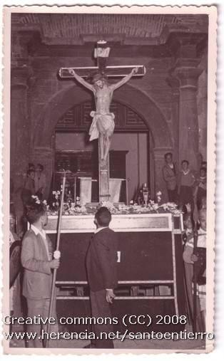 Fotografías antiguas de la cofradía del Santo Entierro 10