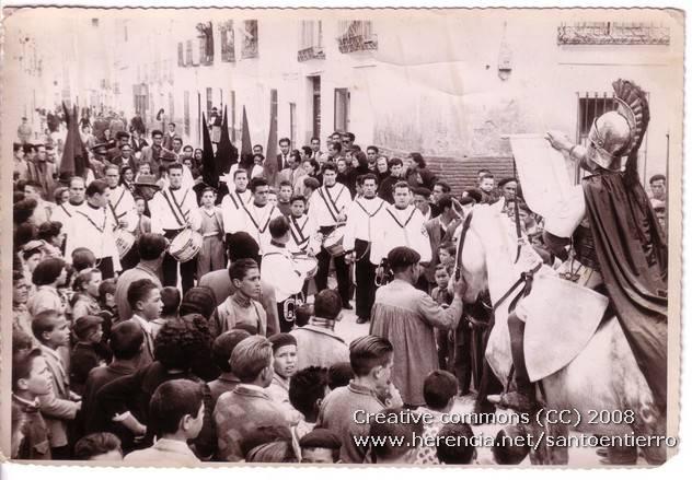 Fotografías antiguas de la cofradía del Santo Entierro 17