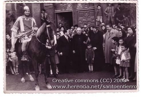 Fotografías antiguas de la cofradía del Santo Entierro 4