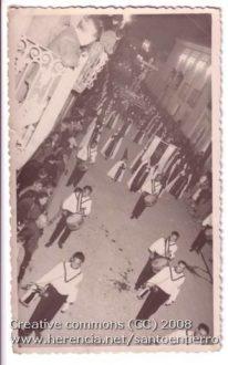 santo entierro 206x330 - Imágenes del Santo Entierro