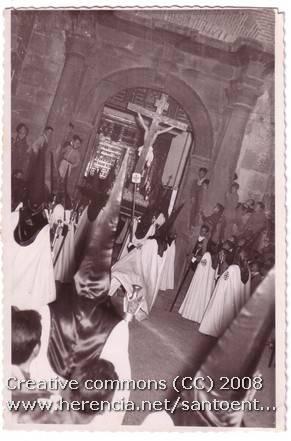 Fotografías antiguas de la cofradía del Santo Entierro 6