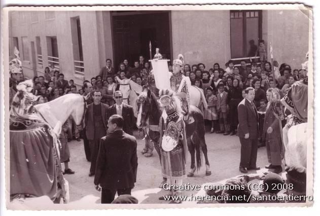 Fotografías antiguas de la cofradía del Santo Entierro 1