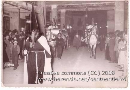 santo entierro 25 - Fotografías antiguas de la cofradía del Santo Entierro