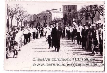 Fotografías antiguas de la cofradía del Santo Entierro 12