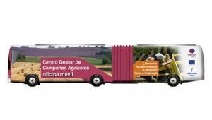 autobus campana vendimia 300x170 - La oficina móvil para temporeros recorrerá los pueblos de Ciudad Real