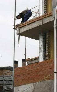 riesgos laborales2 185x300 - Las empresas adscritas al Plan Reduce tuvieron 1.200 accidentes de trabajo menos