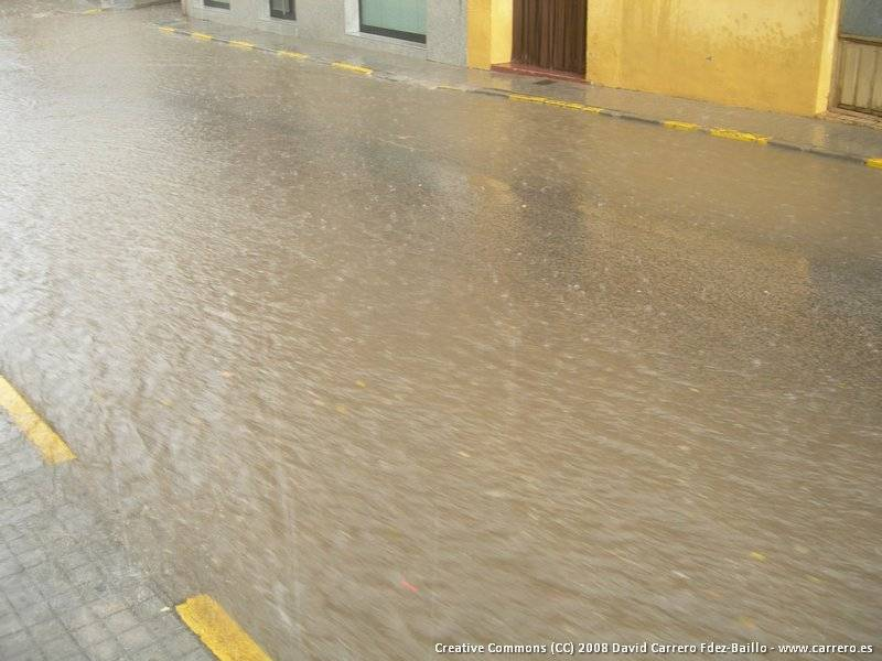 Las lluvias del día 21 provocaron la inundación de sótanos y el corte de la N-420 1