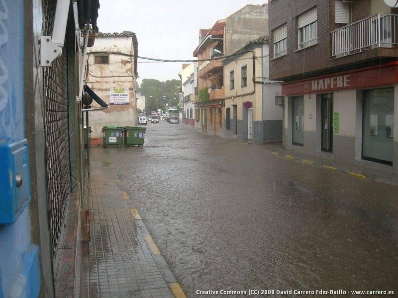 inundaciones herencia2 - Las lluvias del día 21 provocaron la inundación de sótanos y el corte de la N-420