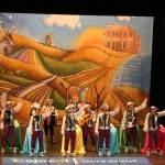 Los Pelendengues actuaron en el Teatro Falla con expectación de los gaditanos y rodeados de manchegos 3