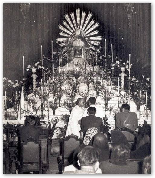 monumento del jueves santo en el convento de la merced - Imágenes del Santo Entierro