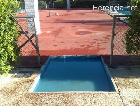 Hongos y piscinas for Entrada piscina