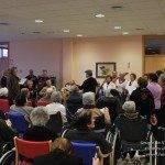 El Centro de Mayores recupera la tradición de cantar villancicos 4