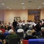 El Centro de Mayores recupera la tradición de cantar villancicos 1