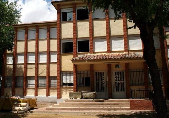 Colegio Cristo de Herencia - Desalojo del Colegio del Cristo por problemas de corrosión en su forjado