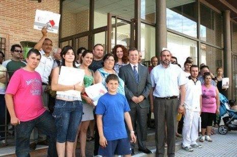 Herencia vivió la primera entrega de viviendas en régimen de alquiler con opción a compra del gobierno regional 3