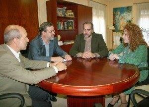 Visita presidente diputacion Nemesio de Lara a Herencia 1 300x216 - El presidente de la diputación destaca el desarrollo de Herencia