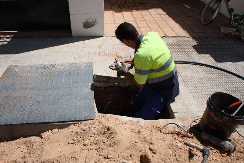 Arreglo acometidas agua - Emaser sube un 1% las tarifas de agua potable, alcantarillado y depuración