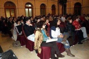 Inauguracion Oficial Curso Escolar herencia publico asistente 300x200 - Manuel Segura recordó en Herencia que educar es formar personas y enseñar a relacionarse