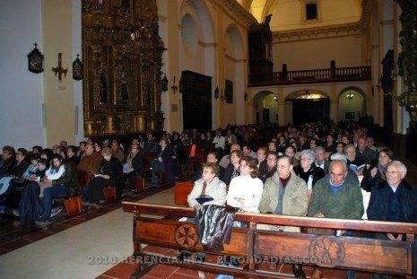 La iglesia parroquial se llenó en la presentación del libro Memoria y Camino 6