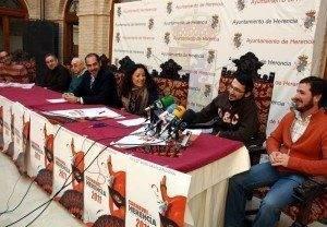 herencia rueda prensa aa 300x208 - La participación de todo un pueblo, seña de identidad del más afamado carnaval de La Mancha