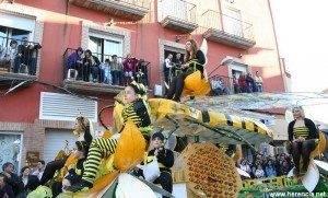 herenciacarrozalocaldesfileofertorio carnaval 2010 300x181 - Ya te puedes apuntar al carnaval más importante de Castilla-La Mancha