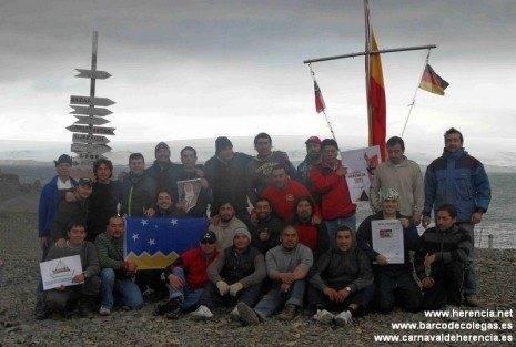 Perlé llega a la Antártida junto a Barco de Colegas y El Rondadías 1