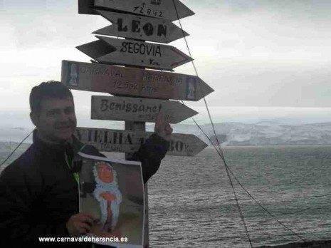 Jes%C3%BAs Diaz Pavon en la Antartida1 2011 465x348 - Perlé llega a la Antártida junto a Barco de Colegas y El Rondadías