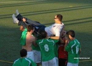 Celebracion ascenso del Herencia CF (2)