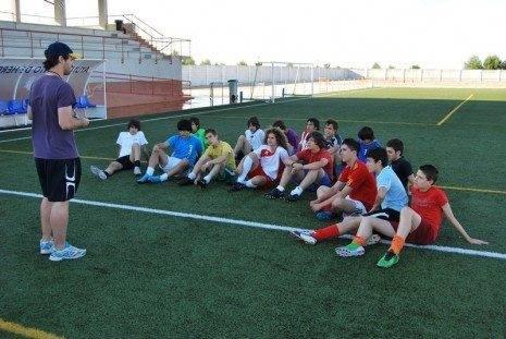 Cadetes Escuela Municipal de F%C3%BAtbol 465x311 - La Escuela Cadete de Fútbol jugará la final provincial