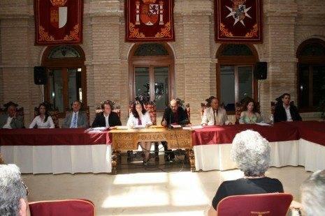 plenoconstitucionb 465x310 - La nueva corporación municipal jura y promete sus cargos