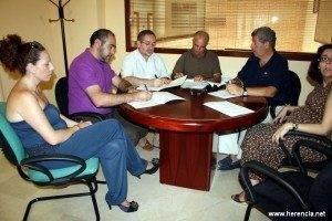 firma mesa de temporeros de Herencia
