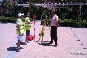 herencia mediciones remodelacion parque 300x199 - Iniciadas las obras de remodelación del parque municipal