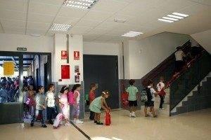 entrada colegio c 300x200 - El nuevo colegio de Herencia ya se encuentra abierto