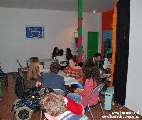 Cafe de Lenguas BdC 2 465x392 - Cafe de Lenguas. Una iniciativa cultural para aprender inglés