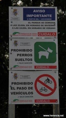 Carteles parque municipal 1 261x465 - El parque municipal será cerrado por las noches