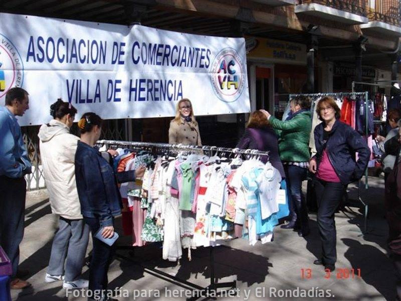 Mercadillo de Asociación de Comerciantes (marzo 2011)
