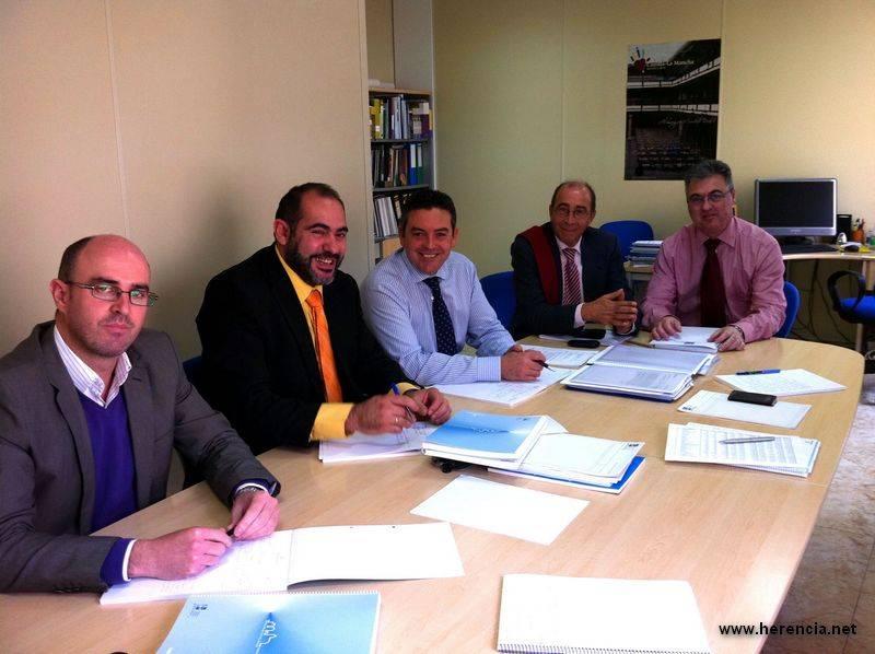 Herencia Femp reunion - Reunión del alcalde de Herencia con el presidente de la FEMP de Castilla-La Mancha