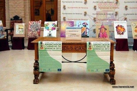 herencia expo carteles a 465x309 - Abierta la exposición y votación popular de carteles para el Carnaval de Herencia 2012
