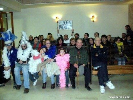herencia pleno carnaval publico asistente 465x348 - Herencia acuerda en pleno solicitar la declaración de Interés Turístico Nacional para su Carnaval