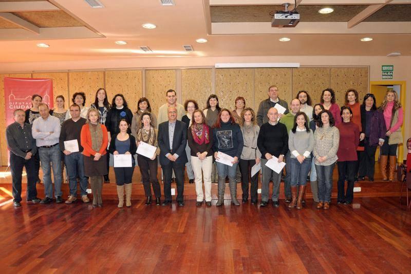 2012 03 07 Dipu Clausura curso on line universidades populares1 - Clausurado el curso on-line de formación de monitores de Universidades Populares
