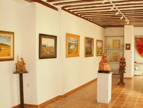Jes%C3%BAs Madero en la Casa Museo de la Merced1 465x350 - Fallece el artista herenciano Jesús Madero Fernández-Baillo
