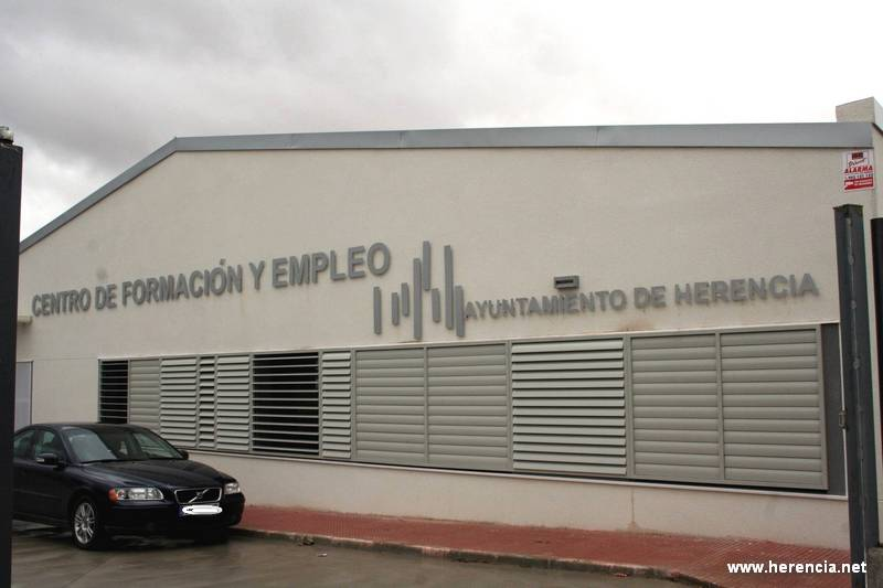 herencia centro formacion - El Centro de Formación y Empleo es la sede de varios cursos sobre la construcción y manipulación de alimentos