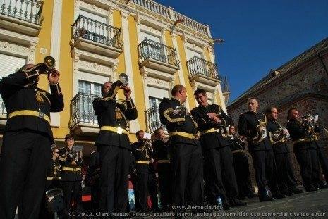 Banda de CC y Tambores Los Siete Pasos 4 465x311 - Fotogalería del II Encuentro Local de Bandas de Cornetas y Tambores de Herencia