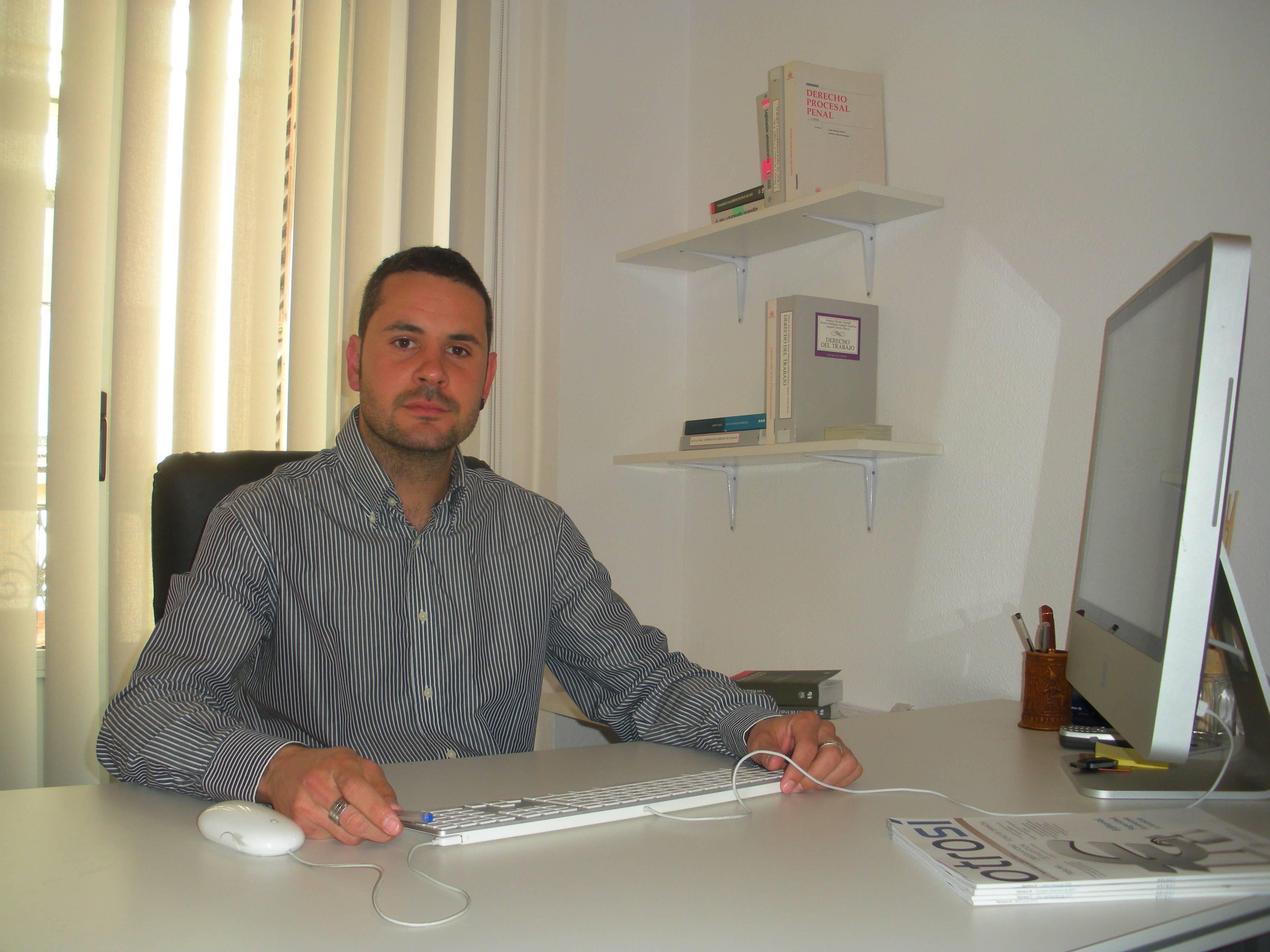 Foto Ismael Despacho - CBJ ofrece la primera consulta jurídica totalmente gratis en Herencia